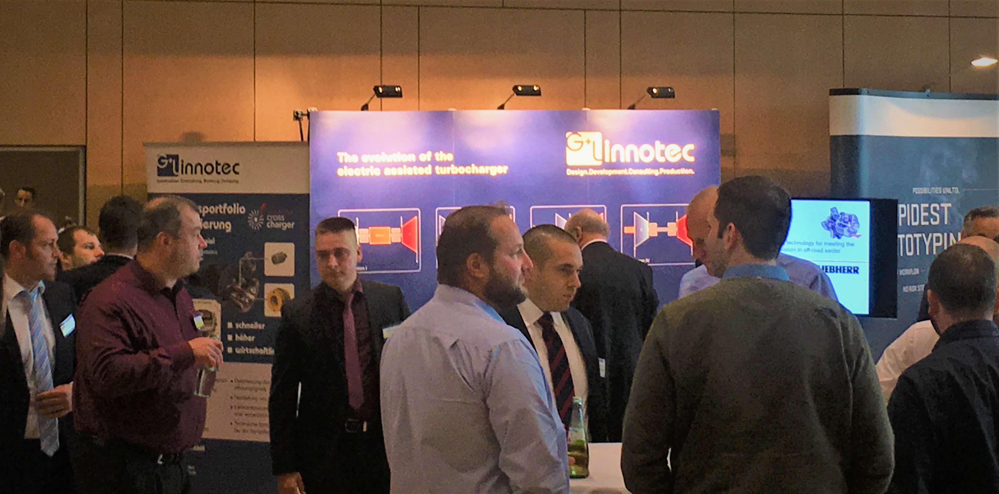 Exchange of information at the G+L innotec booth